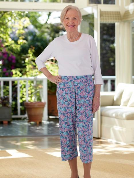 Printed Capri Knit Pants