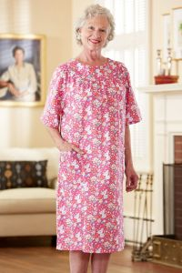 Cut-Away Round Neck Snap Back Muu Muu