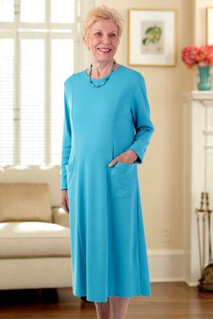 Scoop Neck Solid Color Snap Back Knit Dress
