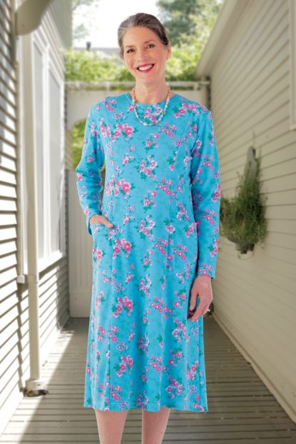 Printed Scoop Neck Snap Back Knit Dress