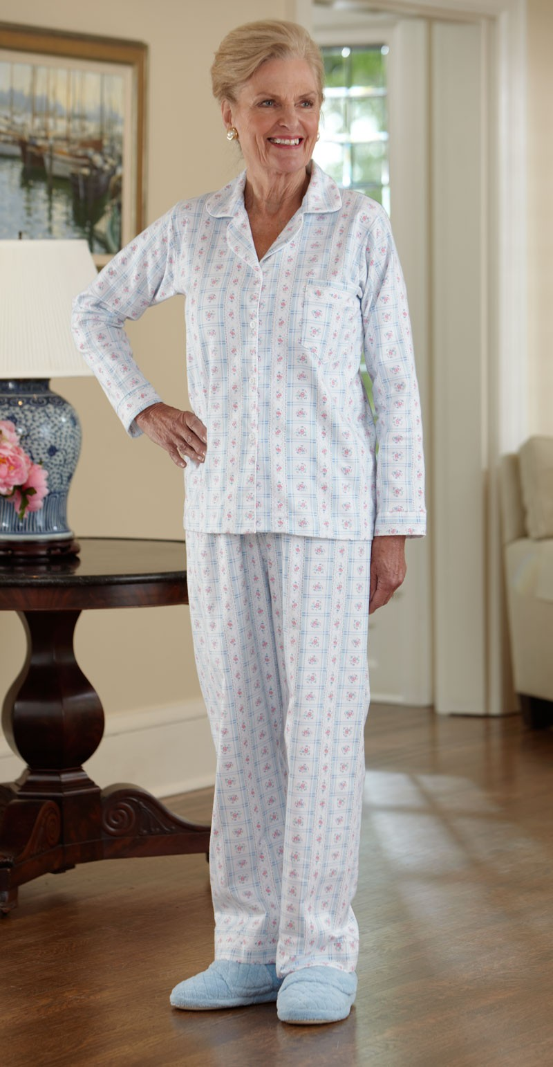 Women 39 s flannel pajamas buck buck for Women s flannel sleep shirt